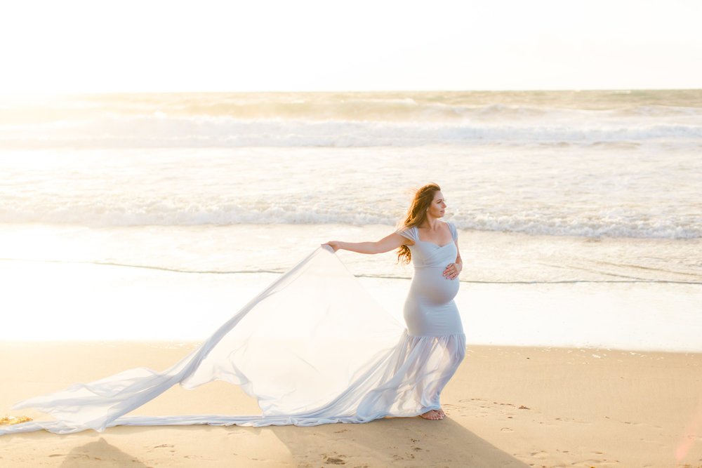 maternity photos on the beach
