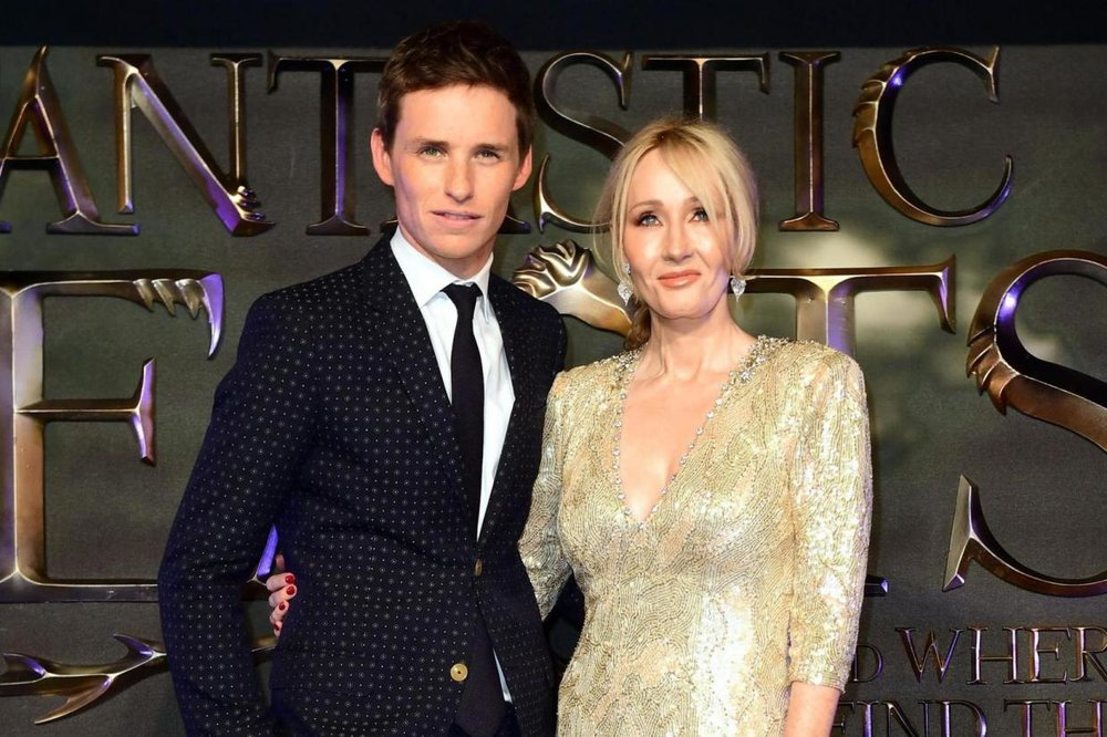 3D Fantastic Beasts logo for Leicester Square film premiere