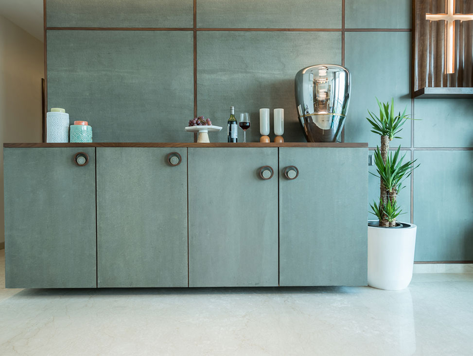 DINING AND BAR UNIT