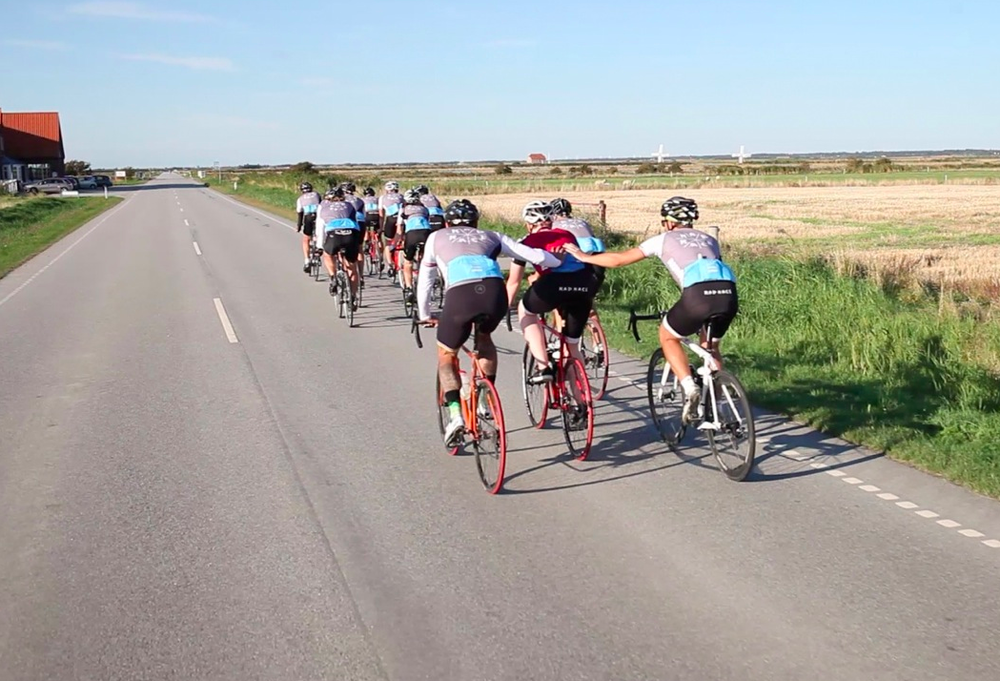 Danny and Paul helping out Gerri to make it to Skaeberg. Pic taken by Etienne Heinrich.