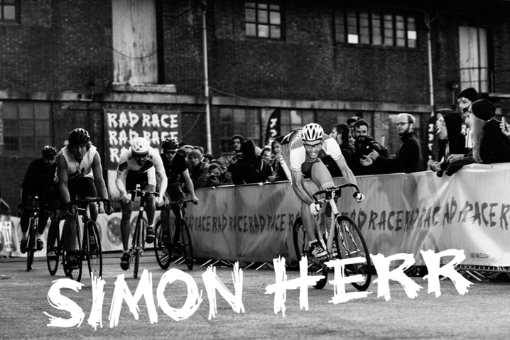 Simon Haer killing it at the RAD RACE Street Hunt in Hamburg this may... He's gonna ride the RED HOOK CRIT Milano for the RAD PACK.