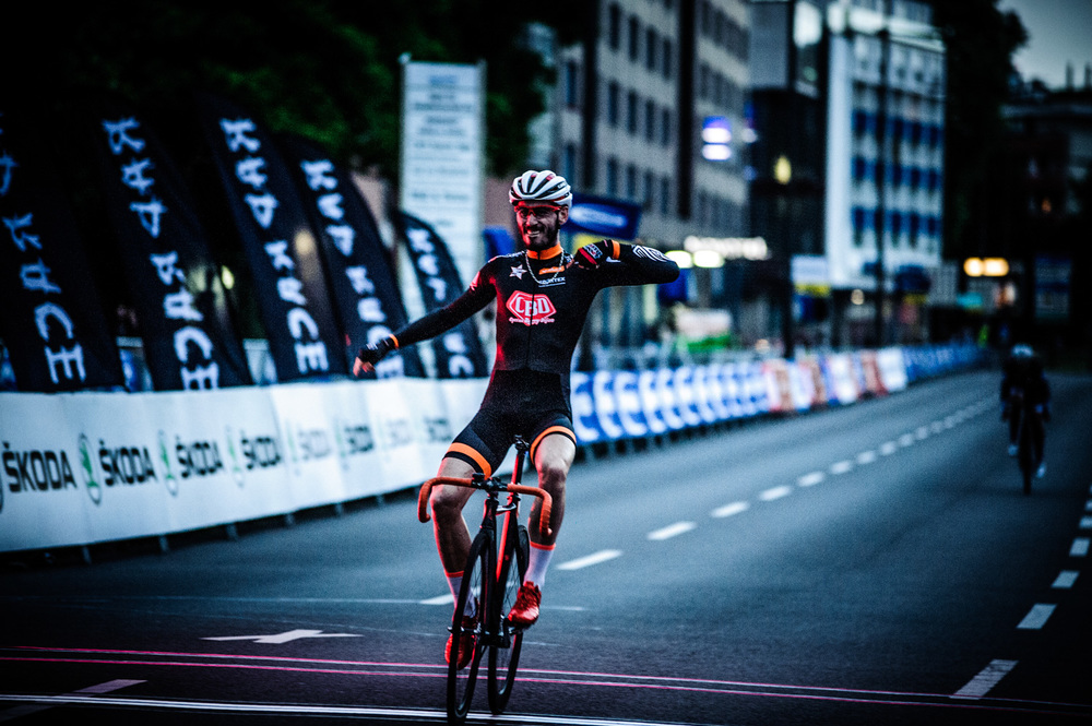 oliver leroy winning the RAD RACE CRIT IN THE open category. shot by nils laengner.