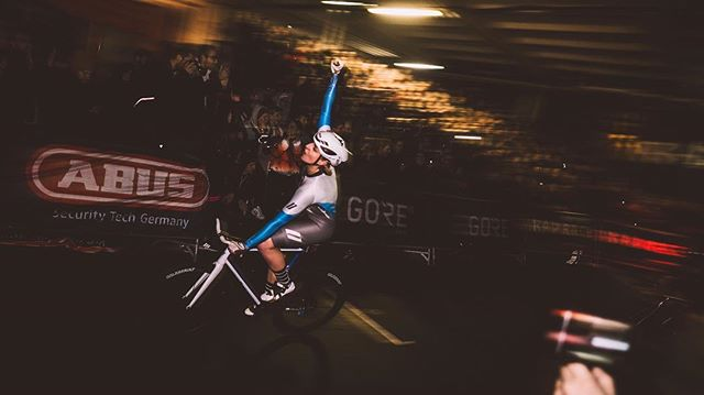 Last Woman Standing • Berlin March 8 #radrace #lastwomanstanding @germanfixedcritseries . .. ... Use the link in bio to sign up for the start of the european #fixedgear season. The men's race is long sold out. Spots left for the #lastwomanstanding ! Visitors can just swing by from 5-12pm and then of course for the #aftershowparty!!! . .. ... #Marzahn #eliminationrace #kolektifberlin #kolektifbikefair #fixedrace #fixed #trackbike #savethetrackbike #fixedcrit #fixedgearcrit #fxd #cycling #dropbarsnotbombs #lifebehindbars @kolektif.bike.fair #stopracismstartraceism  Shot by @pvlvs