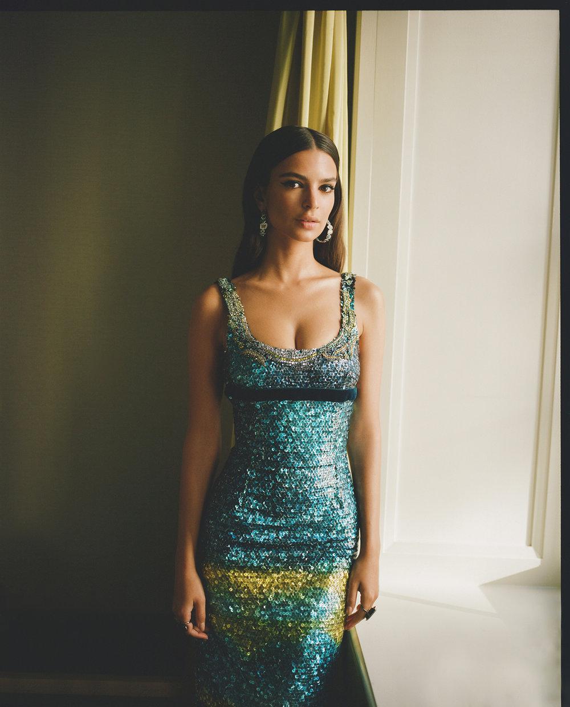 Emily Ratajkowski Met Gala 2017