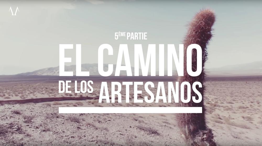 EPISODE 5 - EL CAMINO DE LOS ARTESANOS Lors de la fin de l'épisode 4, nous quittions la Bolivie et reprenions la route vers le sud, tout en perdant enfin de l'altitude : La Quiaca, San Salvador de Jujuy, Salta... La route est belle, roulante, avec peu de monde. Le temps est changeant, la lumière est forte et l'air pur. Nous avons désormais comme destination la vallée des artisans, lieu au nom enchanteresque. Nous séjournons à Molinos, le long de la mythique route 40. Le temps où ces terres argentines étaient espagnoles semble proche. Comme un point d'orgue à notre voyage, notre quête d'artisanat traditionnel se trouve récompensée, magnifiquement : nous rencontrons, après un mois de voyage, Arnaldo et sa famille. La passion est partout, et elle rythme le vie de ces artisans. Merci Arnaldo pour ces deux jours passés ensemble ! Laïta fera désormais tisser ces étoffes par Arnaldo et sa famille !
