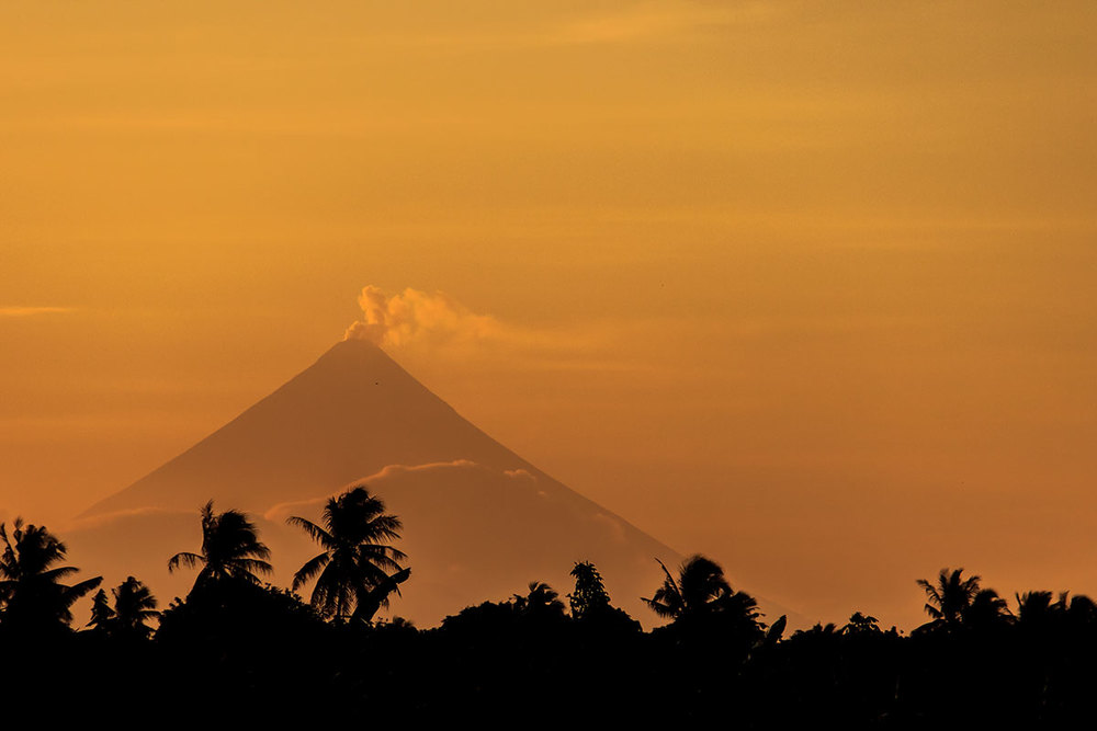 landscape-nature-volcano-mayon-philippines-sun-silhouette.jpg