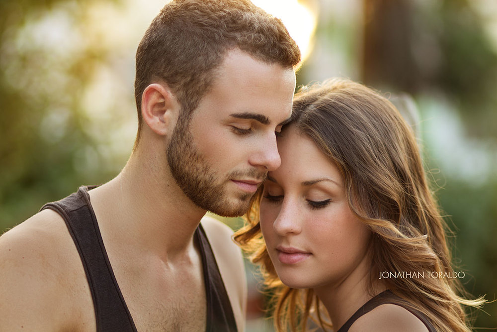 couple-engagement-love-sun-closeup-retouch.jpg