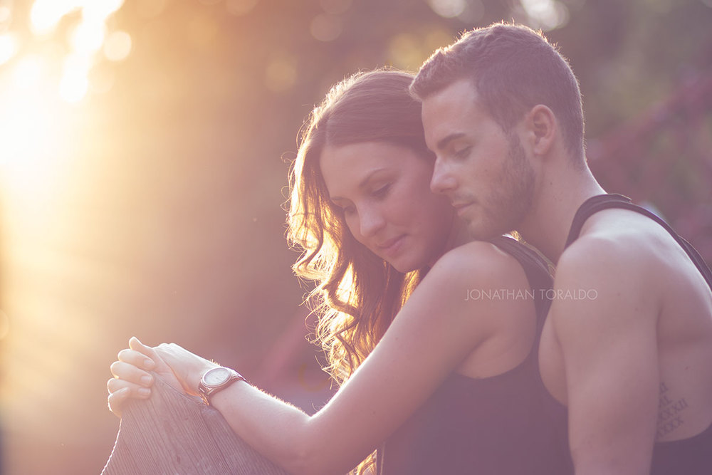 couple-engagement-love-sun-feeling.jpg