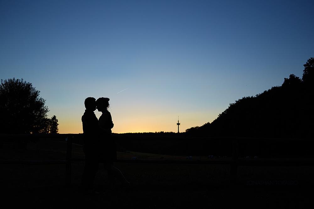 anna-rafa-engagement-portrait-sillhouette-shootingstar.jpg