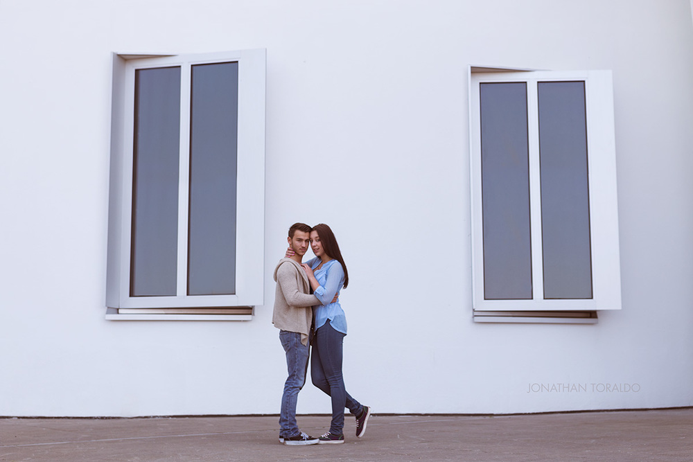 victoria-mert-house-windows-love-couple-pose.jpg