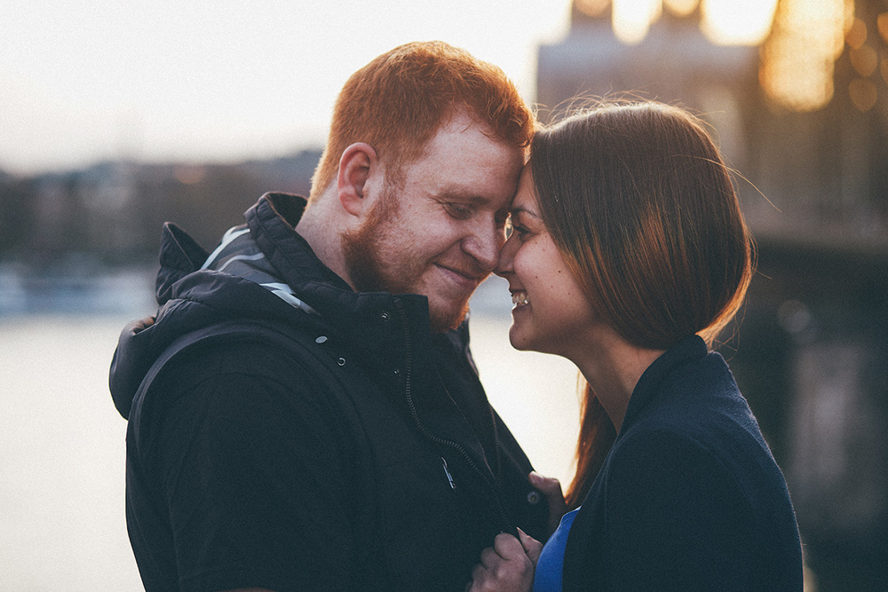 betuel-ben-love-couple-portrait-laugh-cologne-sunset.jpg