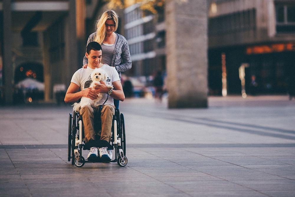 melanie-michél-couple-portrait-dog.jpg