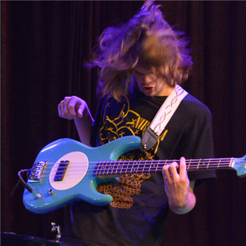Gavan (bass) - SMALL.png