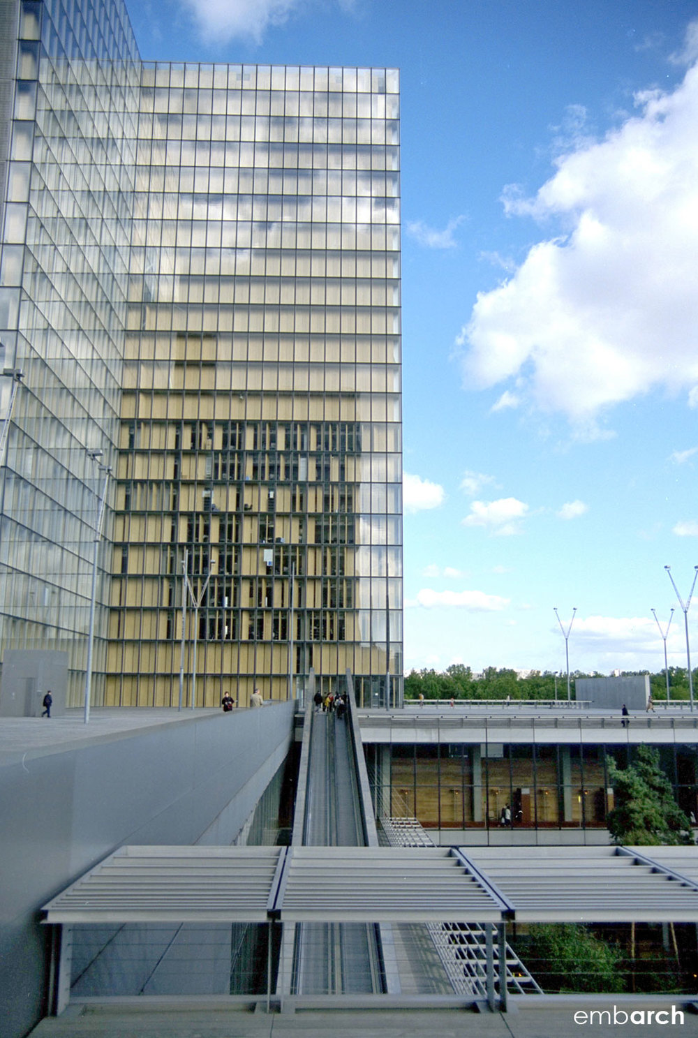 Bibliotheque Nationale - exterior tower and plaza