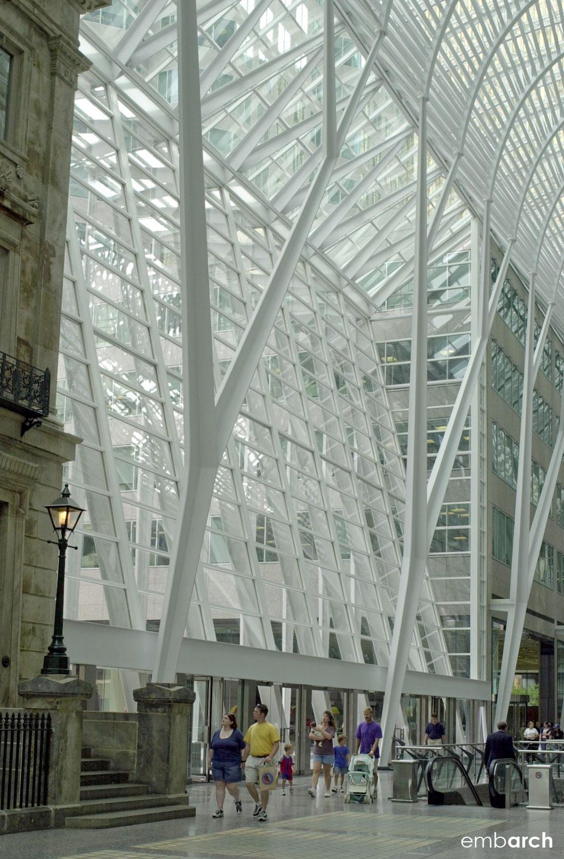Allen Lambert Galleria - interior structural columns