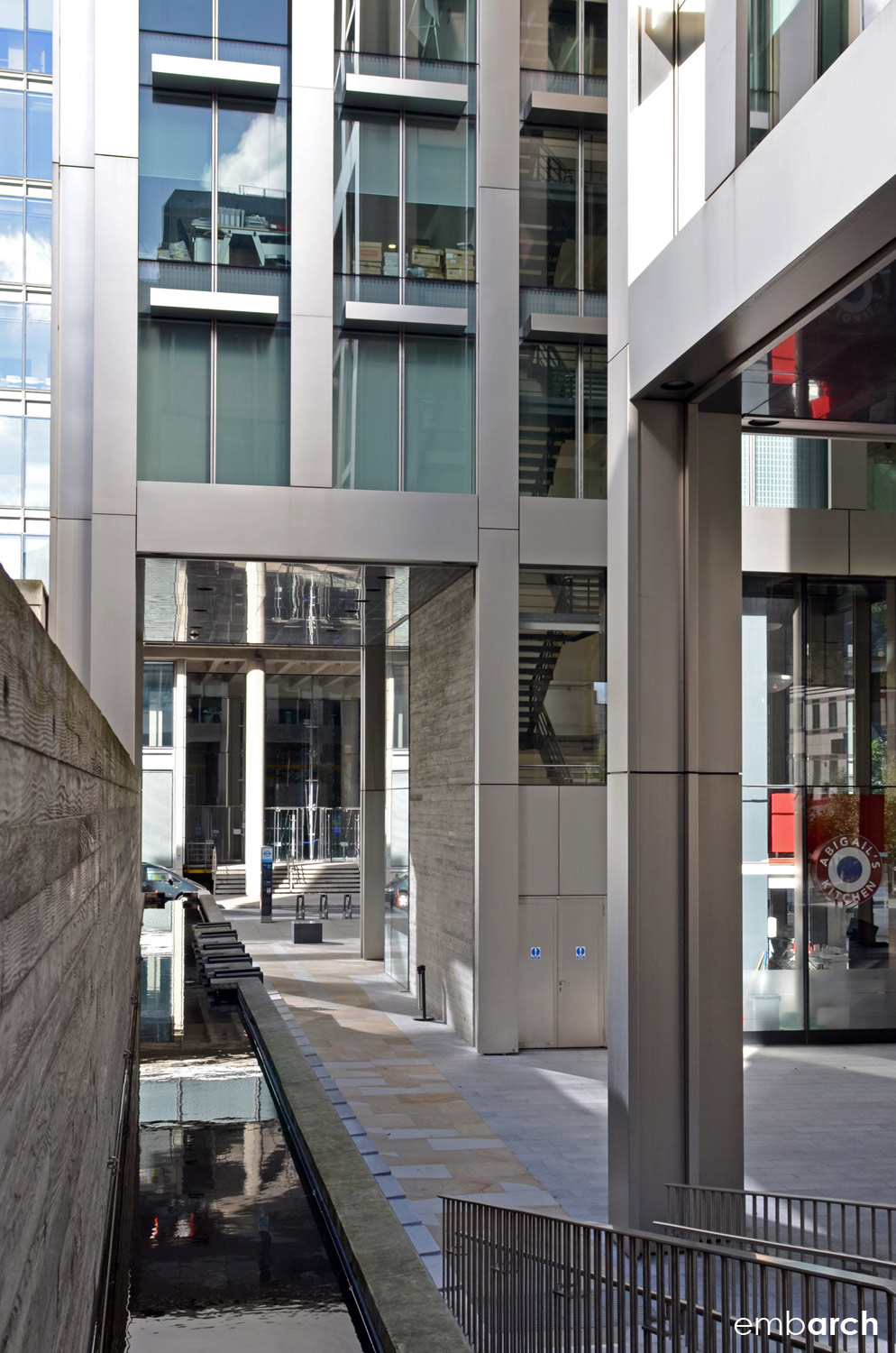 5 Aldermanbury Square - street level