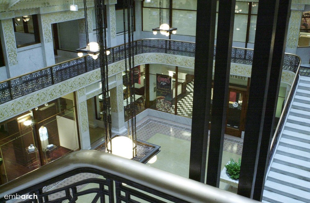 Rookery Building - interior lobby view from mezzanine