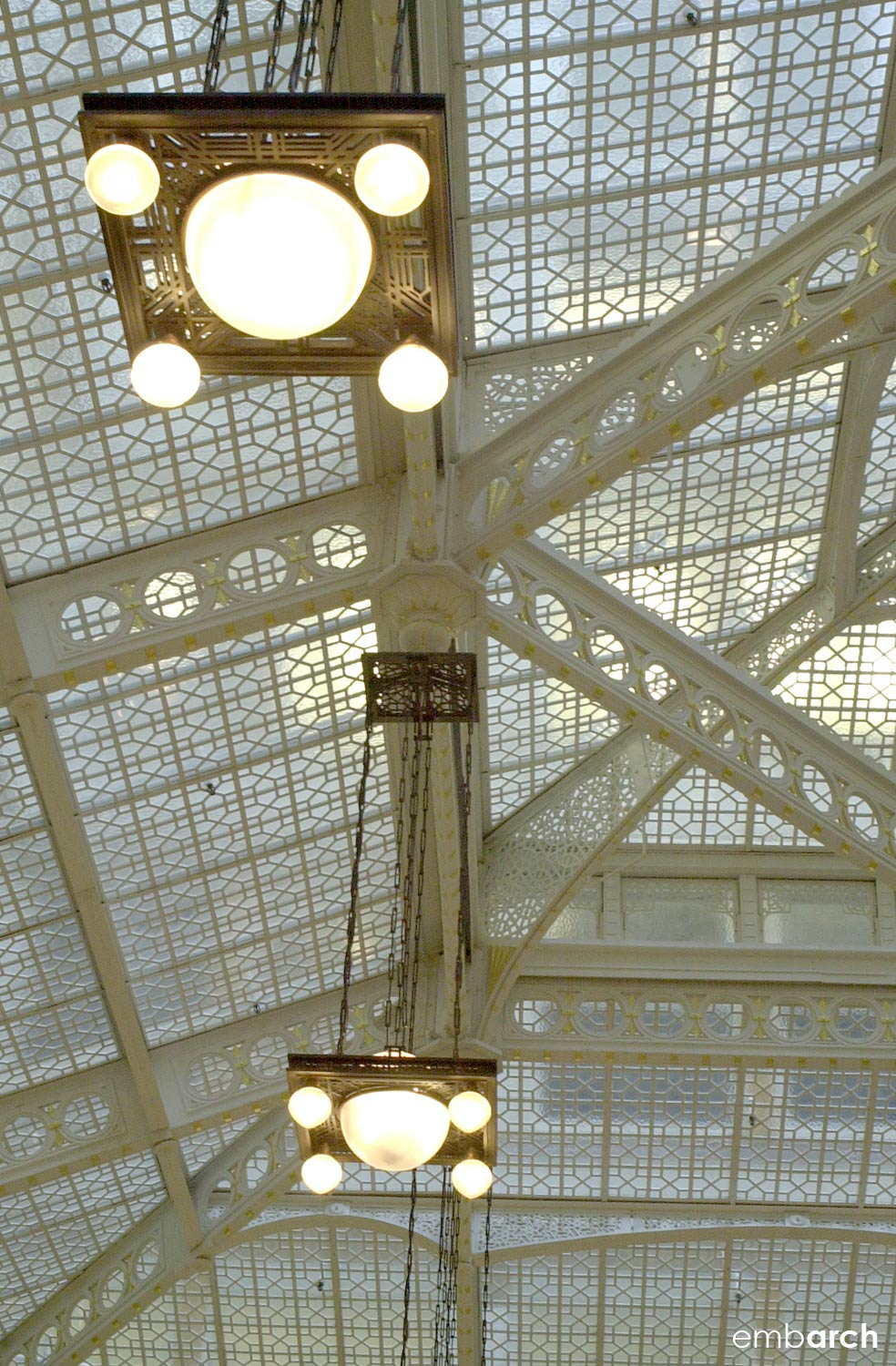 Rookery Building - interior lobby ceiling strcture detail