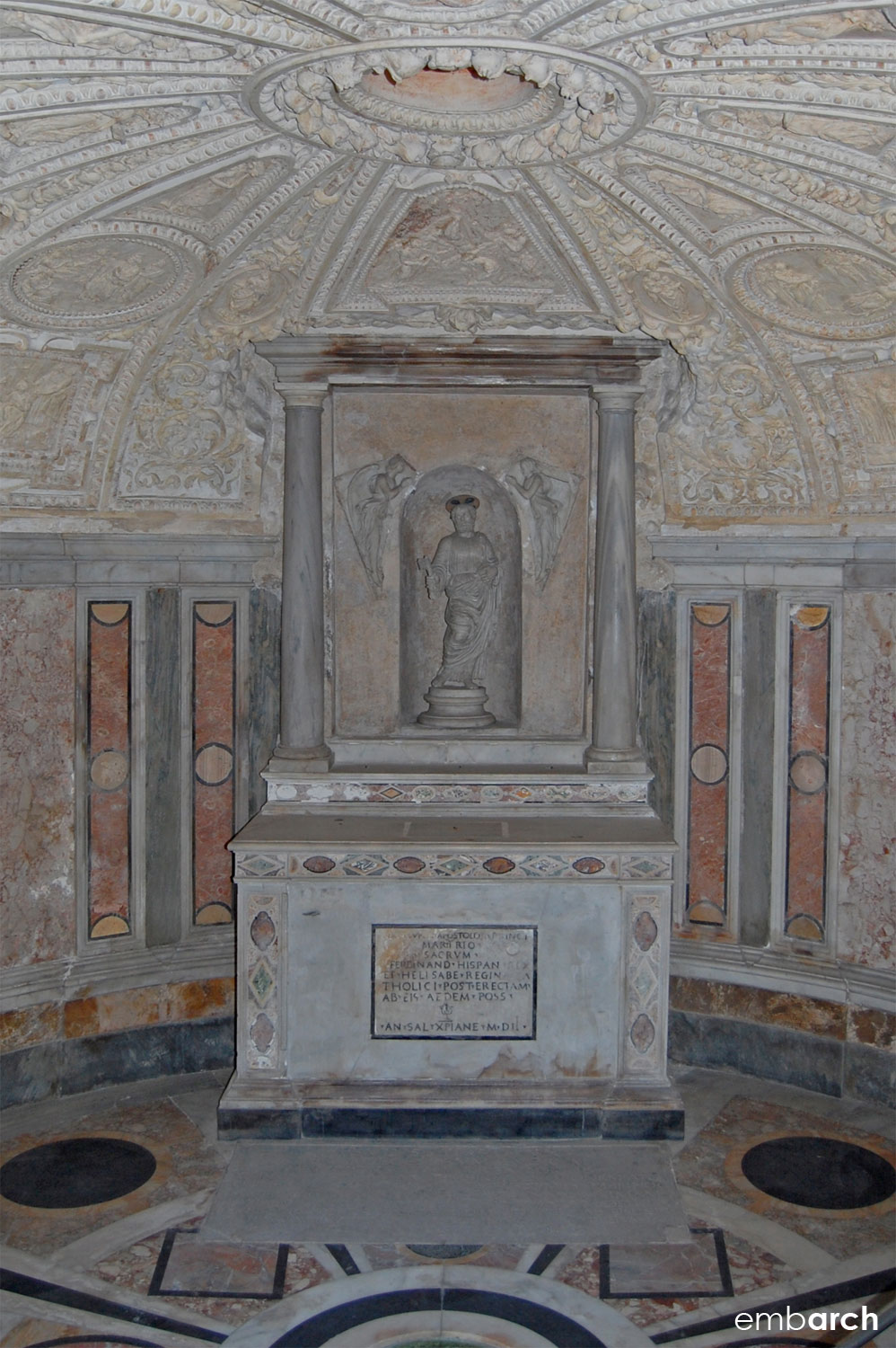Tempietto - interior view of crypt
