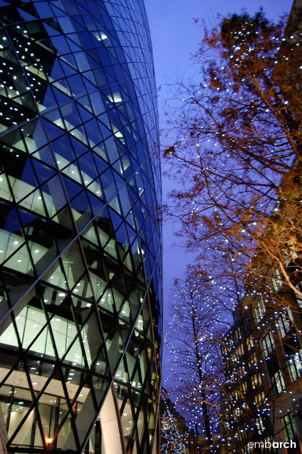 30 St. Mary's Axe - exterior at night