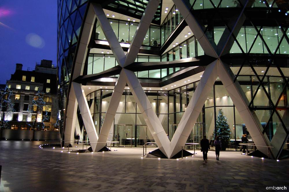 30 St. Mary's Axe - exterior entry at night