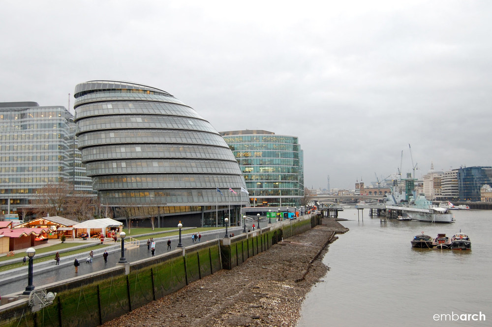 London City Hall - view of building along the River Thames.