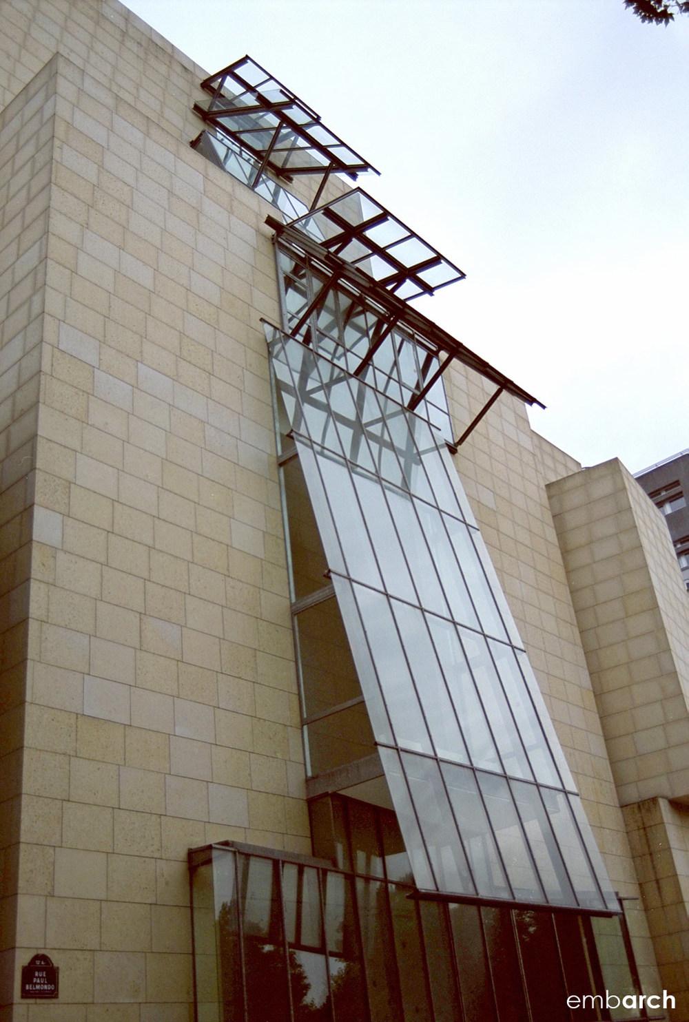 Cinémathèque Française - exterior detail