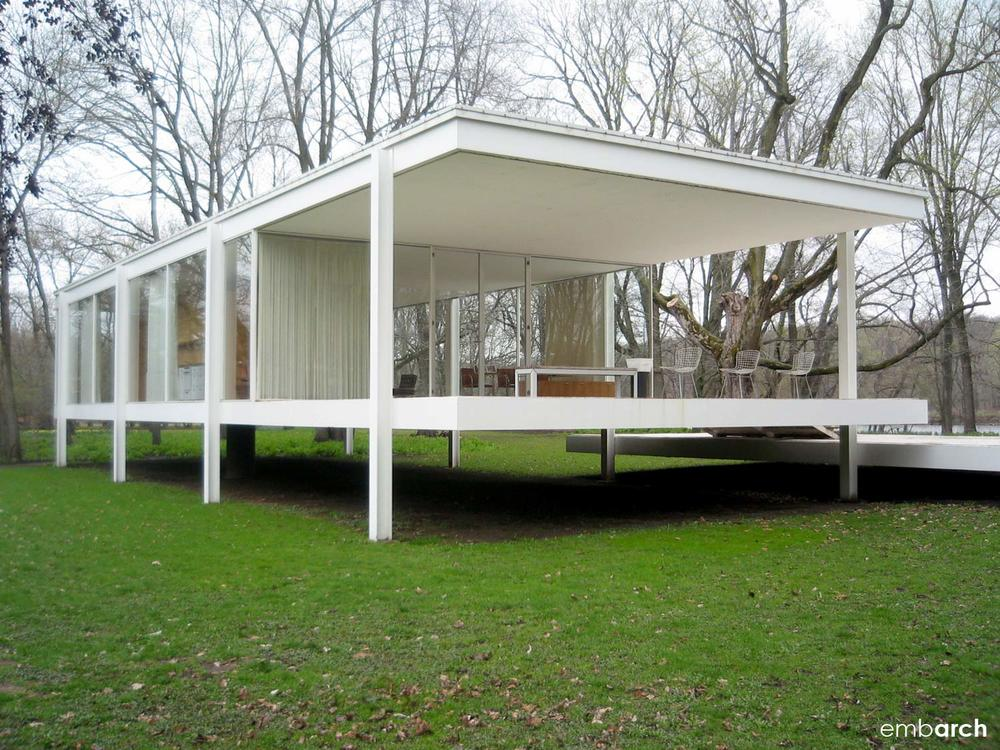 Farnsworth House - view of exterior