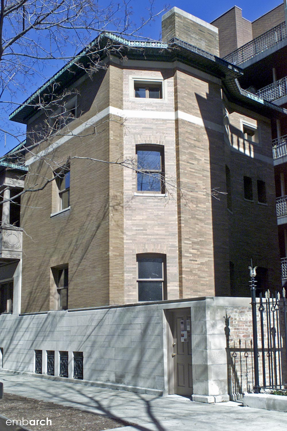 Charnley-Persky House - exterior