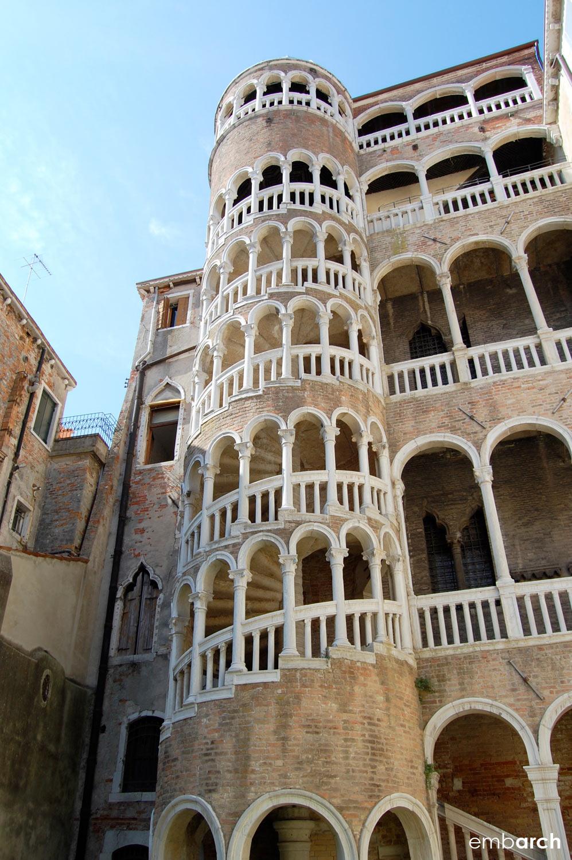 Palazzo Contarini del Bovolo - view of exterior staircase