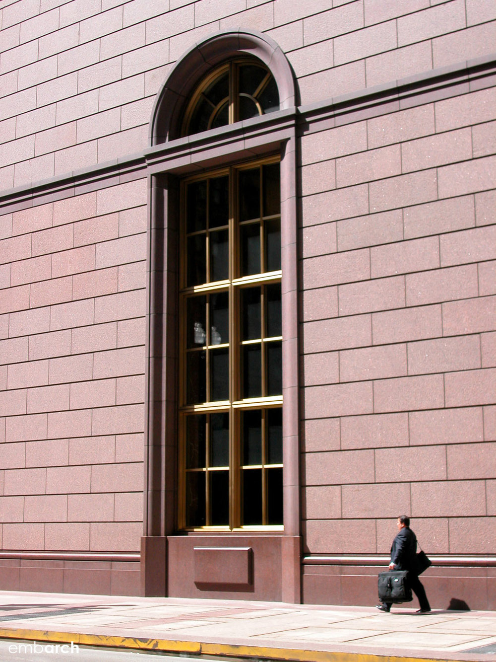 190 S Lasalle - exterior