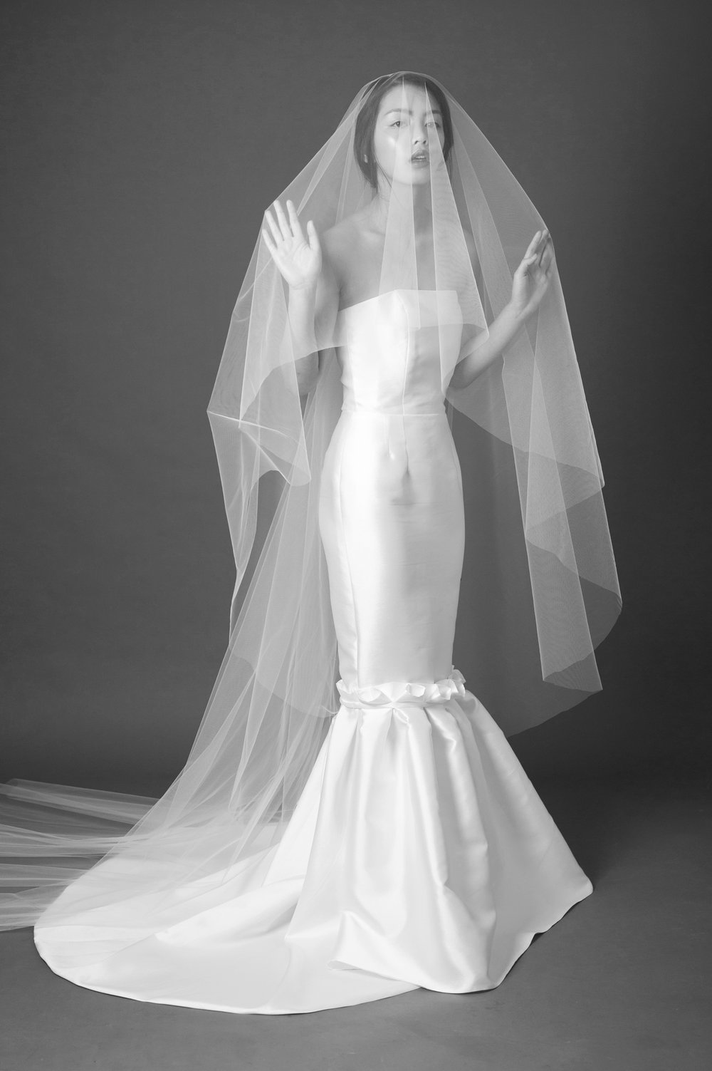 plain edge 2 tier veil