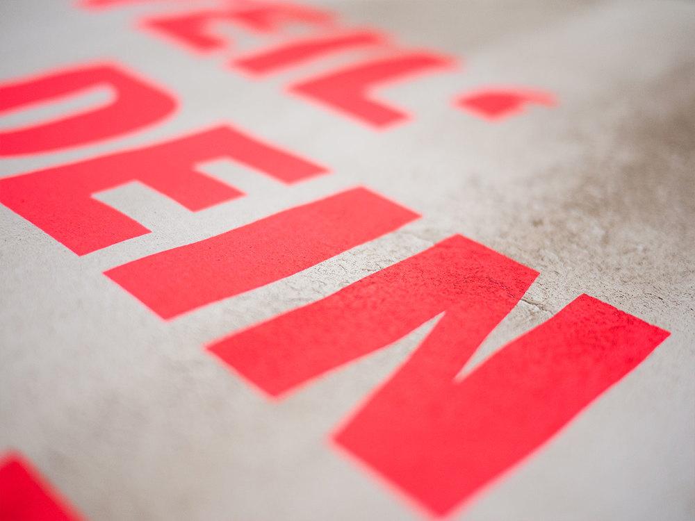 ONOGRIT Designstudio — Teil dein Glueck Relief Poster – 01.jpg