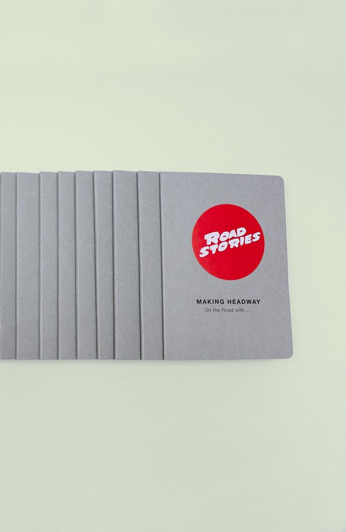 Design für Einladungen zur Colorshow