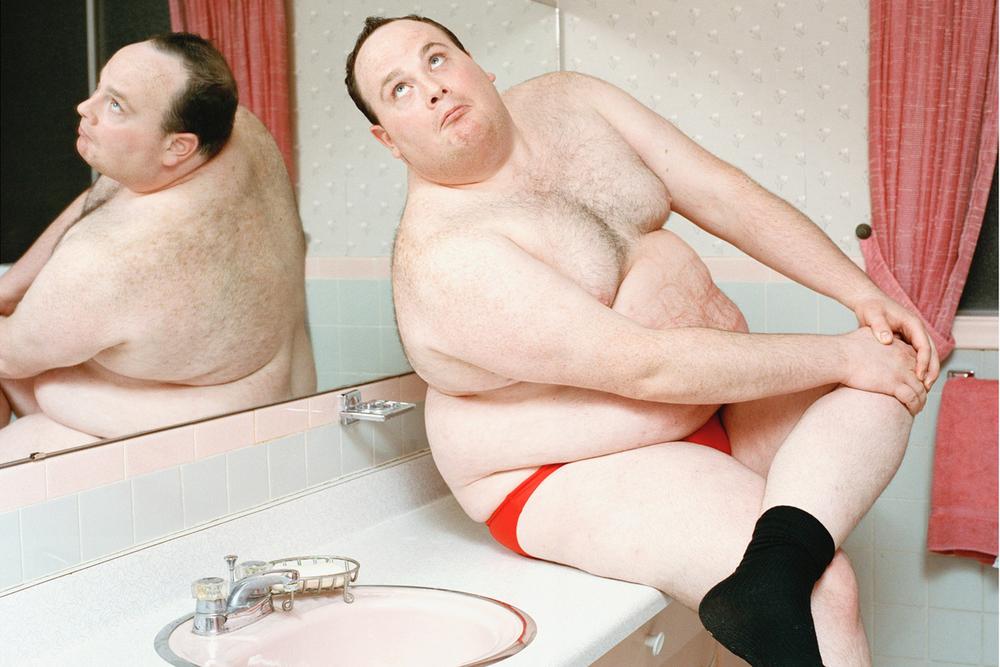 TomFeiler_Bacardi_Marty-in-Bathroom.jpg