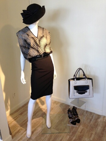 This organza metallic leaf print top looks just as good left out as it does tucked in loosely to this sponge silk pencil skirt. We love the contrasting tones of the patent bag and lace up suede and snakeskin heel.
