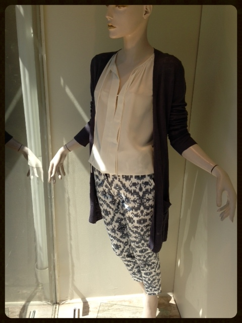 Print pants have become a staple in this summer's wardrobe. We love these white and blue ikat print trousers with a soft white silk blouse and a long linen cardigan for an easy to wear, complete look.