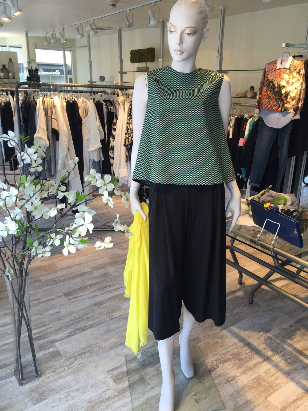 With culottes being a major trend in Spring fashion, we think these silk ones from Brochu Walker are really easy to wear.  We paired them back to a patterened swing top from Hache.