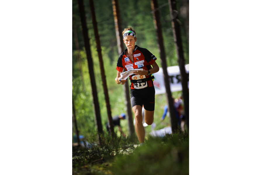 Simo-Pekka Fincke suunnistuksen aluemestaruuskisoissa 9.8.2014. © Sanomalehti Karjalainen