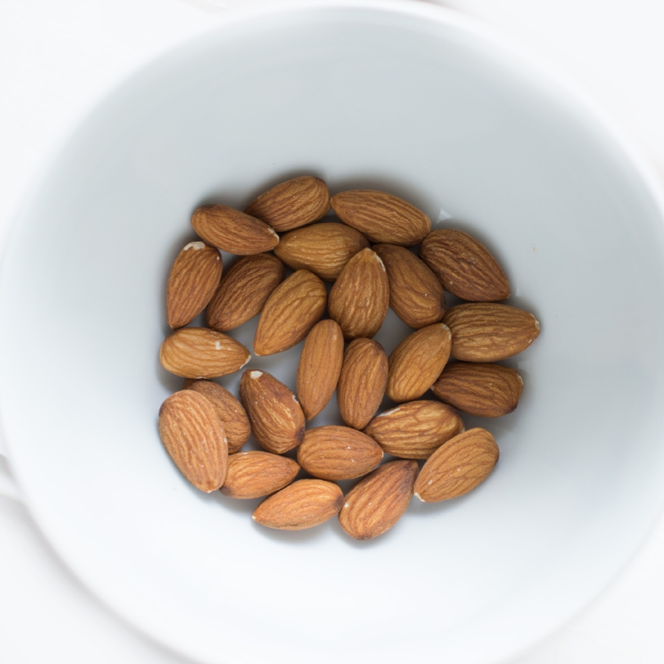 ALMOND MILK - 1 pound Almonds2-3 Dates1 Litre filtered water