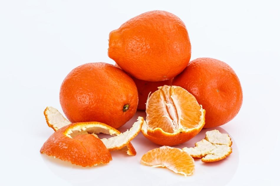 (Mandarin Oranges) (Citrus reticulate)