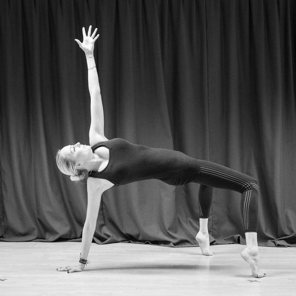 20161213 - Karine Yoga (1500) -24.jpg