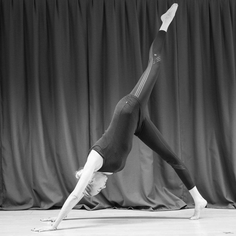 20161213 - Karine Yoga (1500) -25.jpg