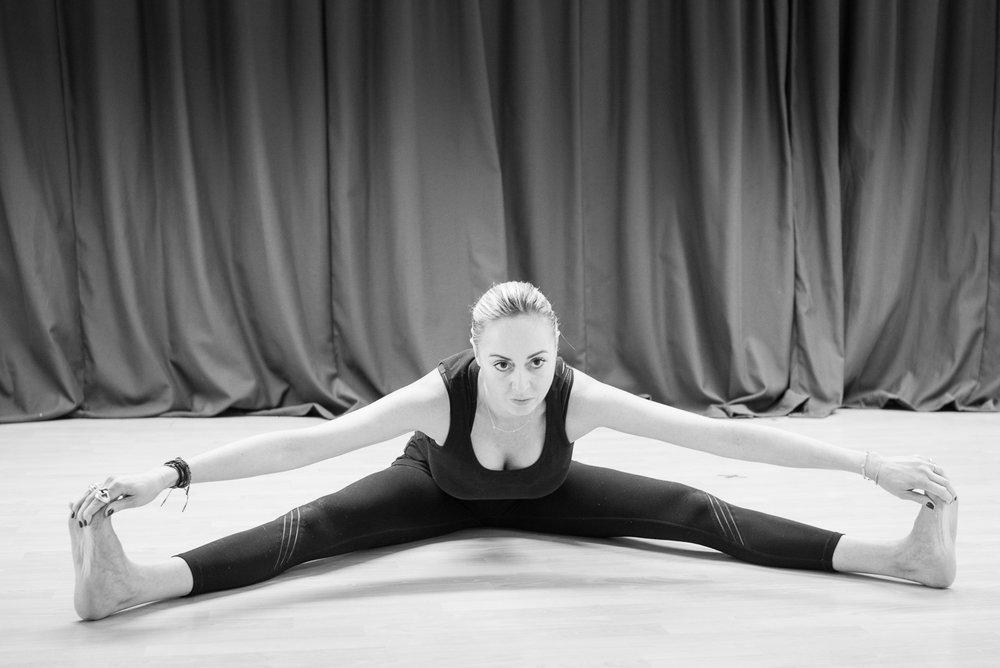 20161213 - Karine Yoga (1500) -37.jpg