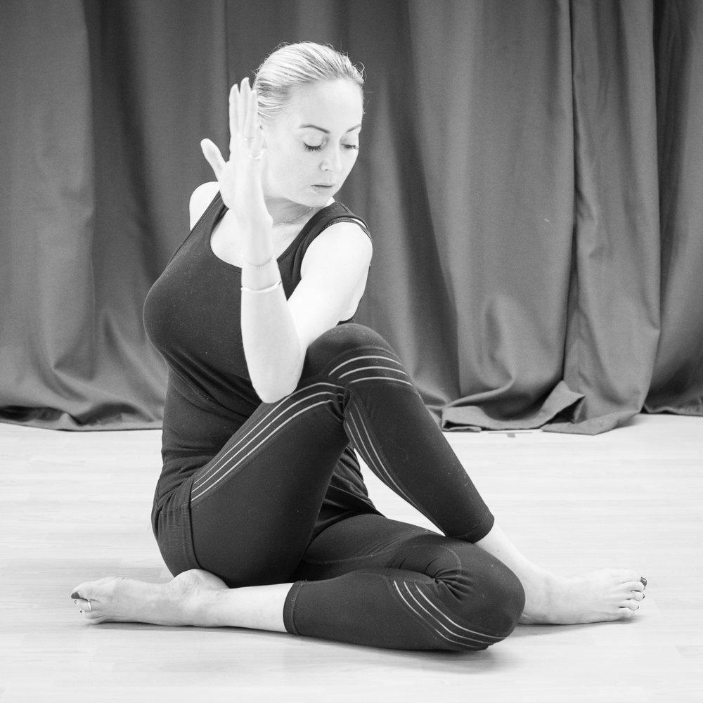 20161213 - Karine Yoga (1500) -44.jpg
