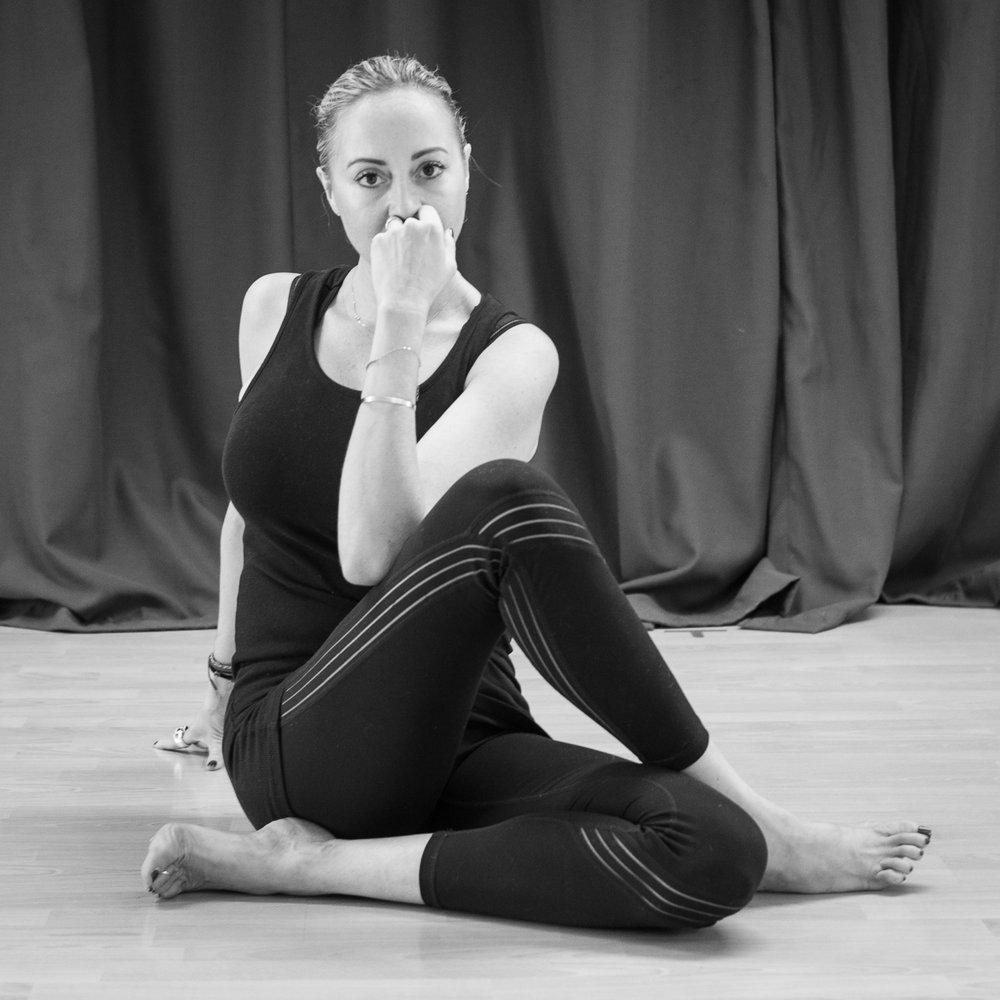 20161213 - Karine Yoga (1500) -48.jpg