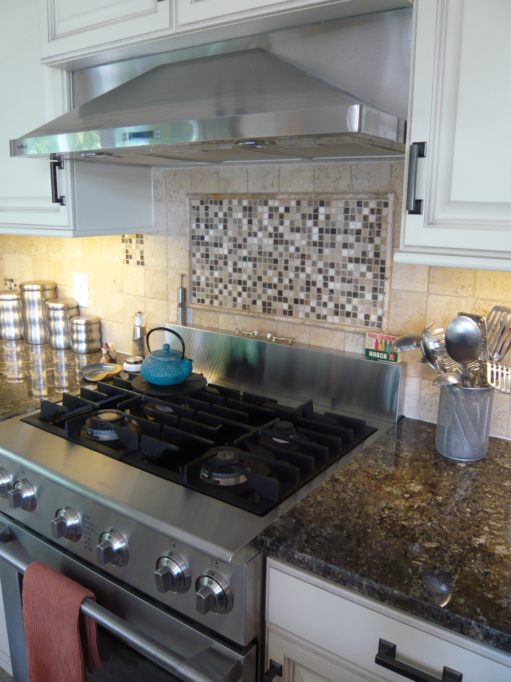 White Cabinets Stainless Steel Stove Hood Fan
