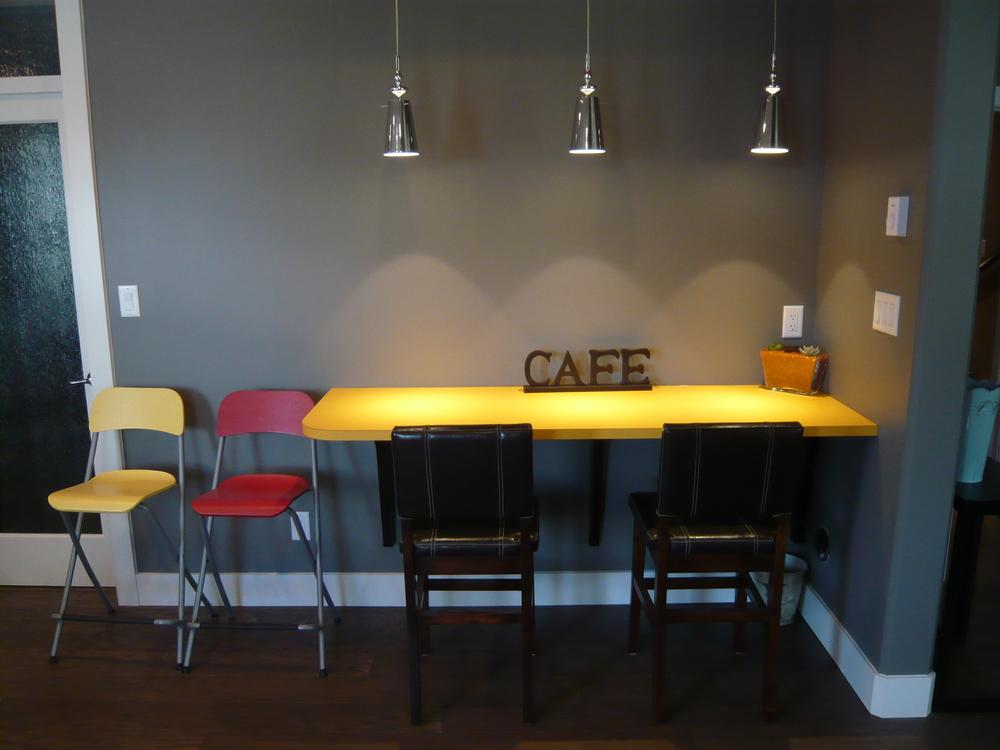 Kitchen-Eating-Bar