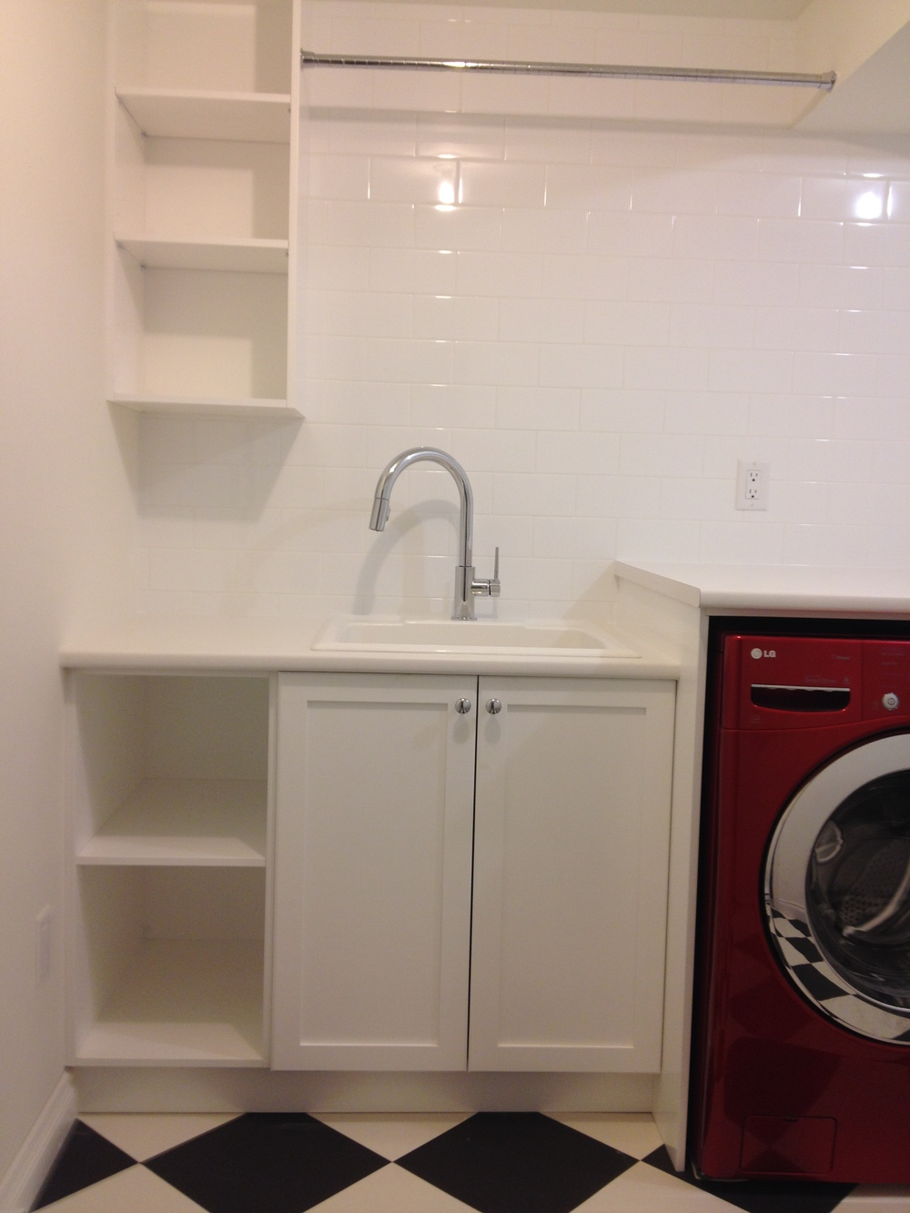 Laundry Room, Hanging Rod
