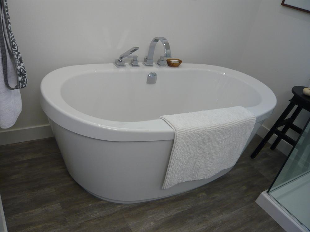 Main Bath After1.JPG